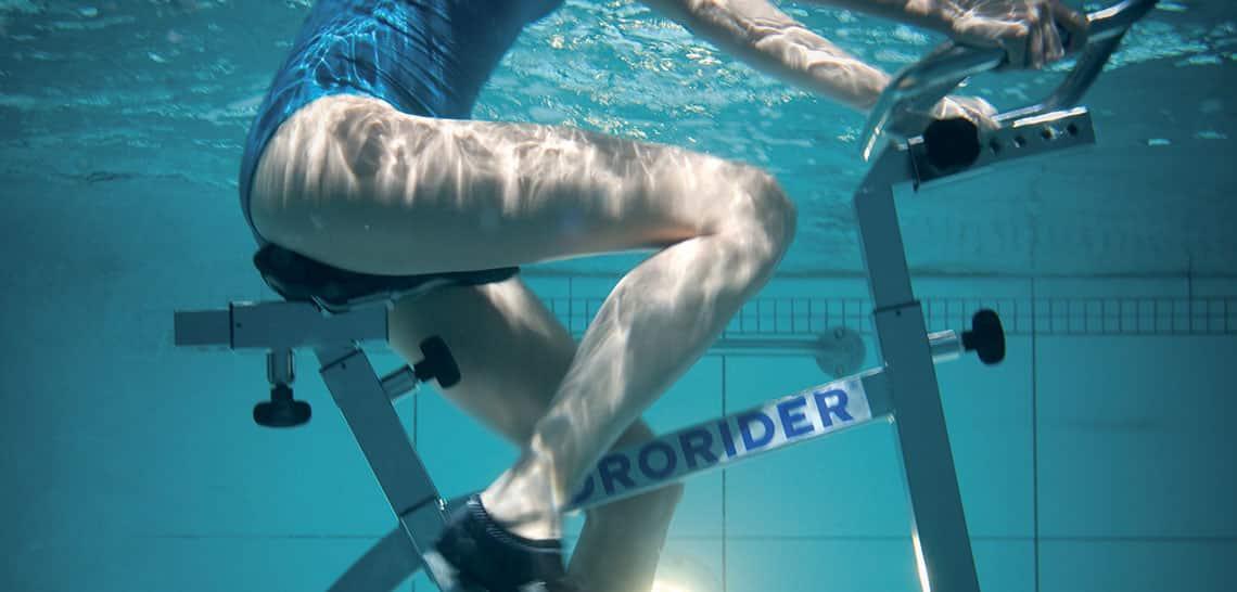 Vélo dans l'eau de mer : aquacycling