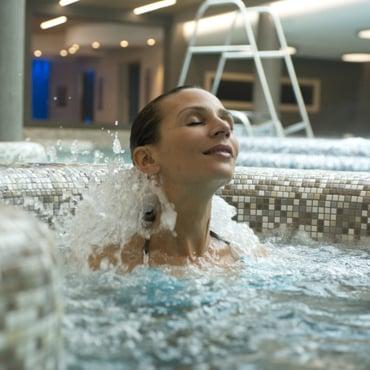 piscine jets massage