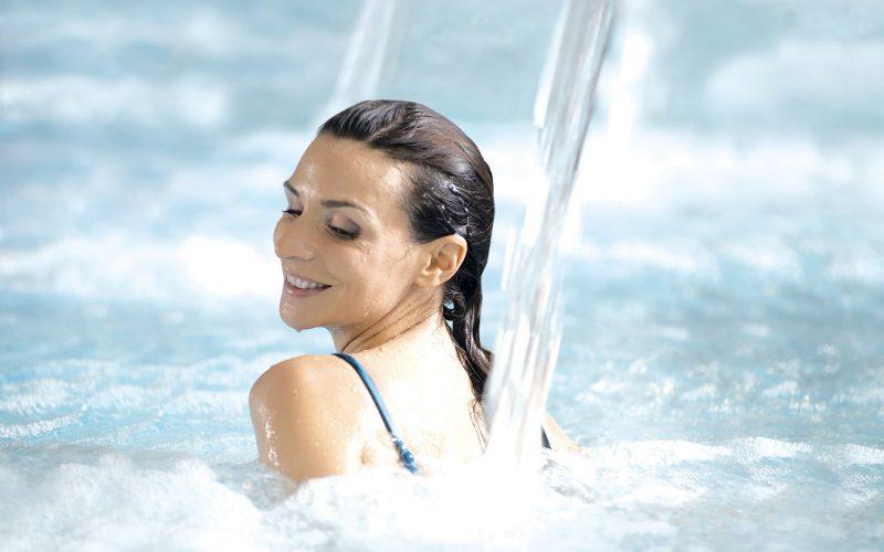 bassin jet d'eau massage